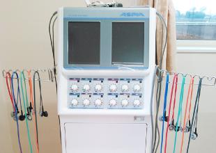 医療法人佳和会 | デイサービスセンターわきあいあいの複合電気刺激治療器