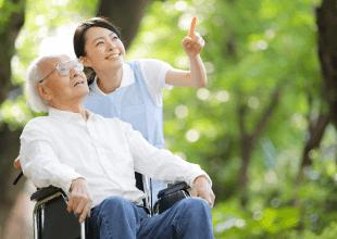医療法人佳和会 | サービス付き高齢者向け住宅わきあいあいの介護の様子